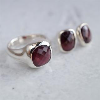 Garnet ring & earrings