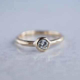 Textured diamond ring